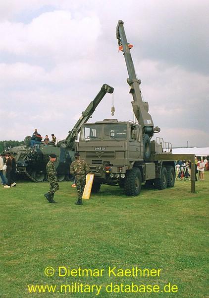 comp_1999-royal-army-summer-show-9tshs
