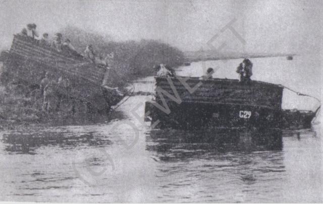 1966_10_15_mit-15-tonnen-panzern-durch-die-weser_bild001_1