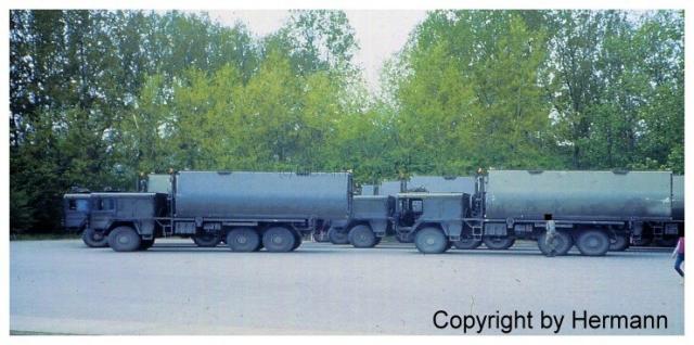 1982 - TdoT Pioniere Ingolstadt 00-man-faltschwimmbruecke-wartet-auf-einsatz