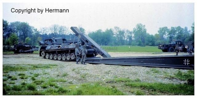 1982 - TdoT Pioniere Ingolstadt 14-biber-mit-abgelegter-bruecke