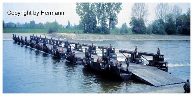 1982 - TdoT Pioniere Ingolstadt 20-amphiebruecke-fertig