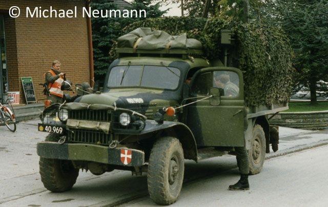 1986_eternal-triangle-neumann00004