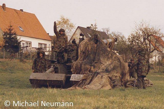 1986_eternal-triangle-neumann00017