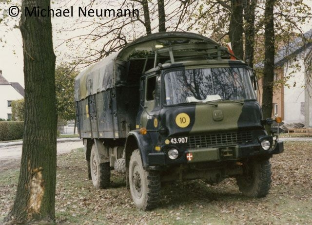 1986_eternal-triangle-neumann00020