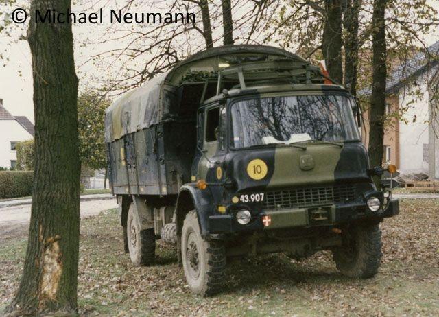 1986_eternal-triangle-neumann00020
