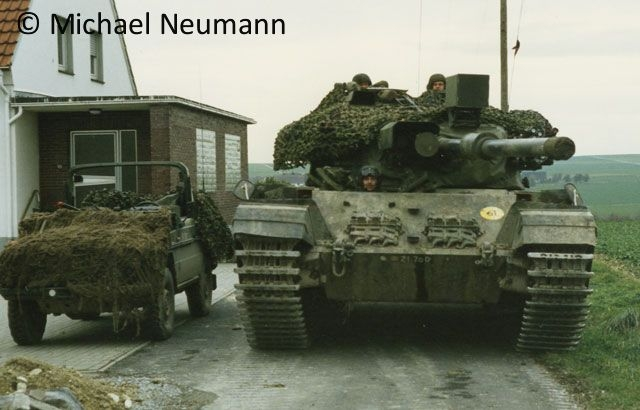 1986_eternal-triangle-neumann00022