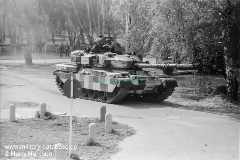 1990-ruhleben-fighting-city-berlin-harry-harrison-205505