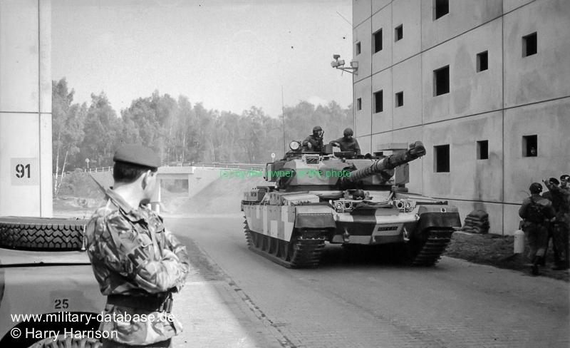 1990-ruhleben-fighting-city-berlin-harry-harrison-205512